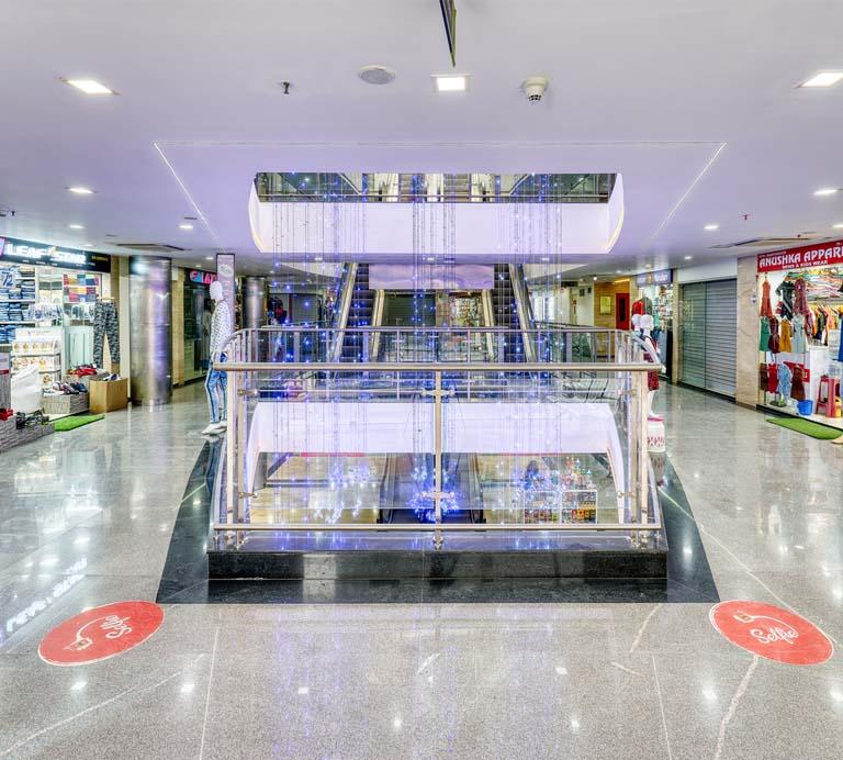 Grand majestic mall